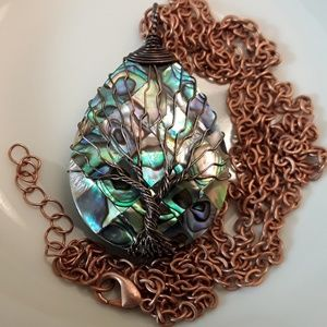 Jewelry - NEW Abalone Tree of Life Necklace